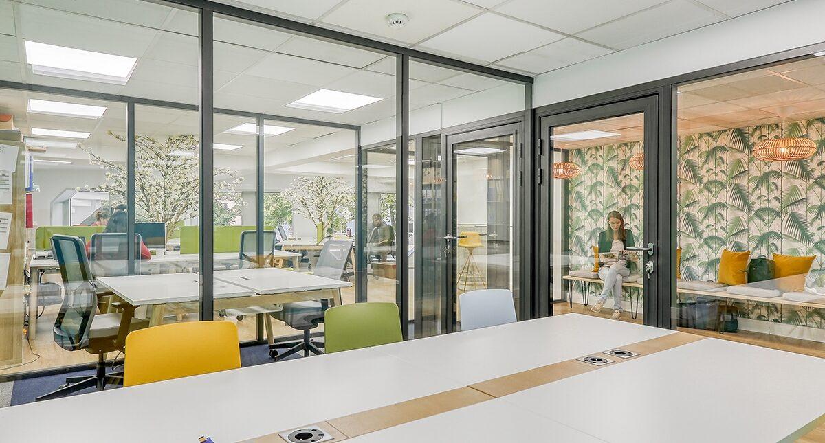 Aménagement d'un espace collaboratif avec cloisons vitrées - Paris